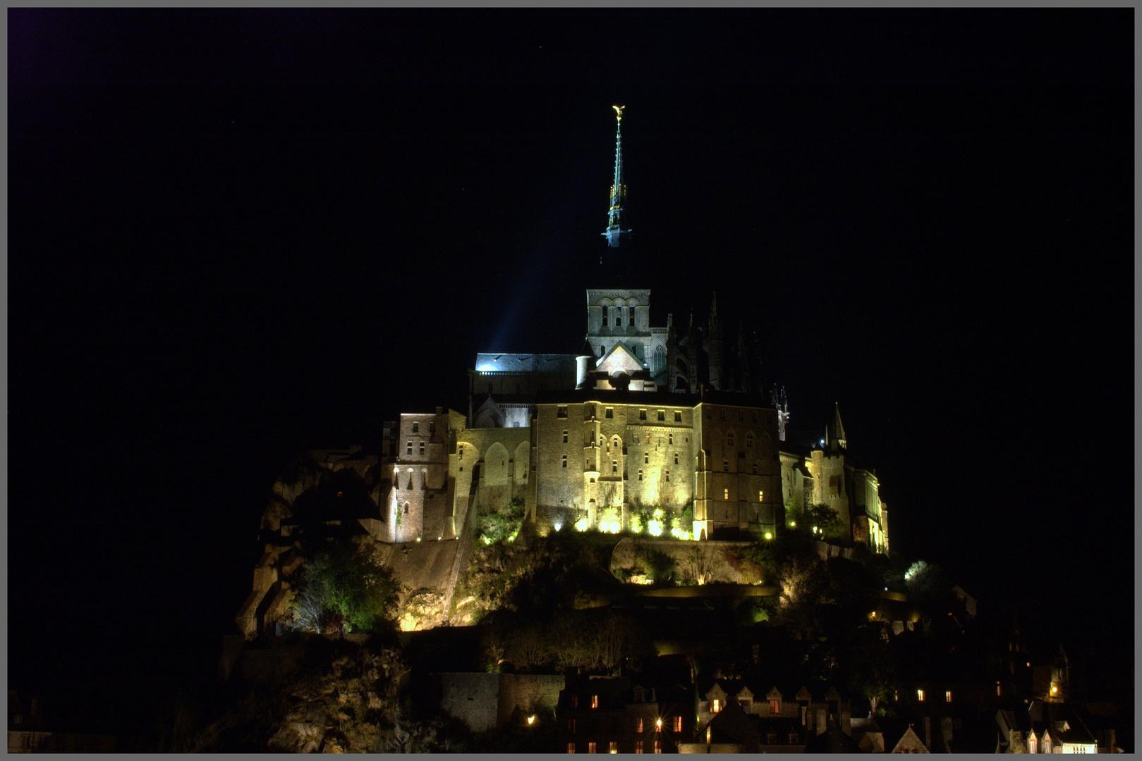 Mont-Saint-Michel by night ( F )