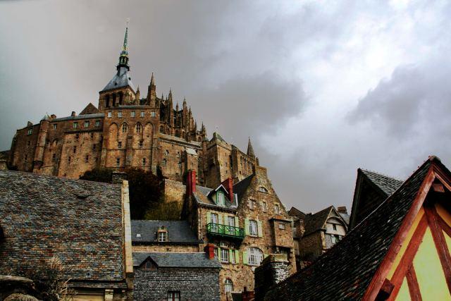 Mont saint Michel sous la pluie