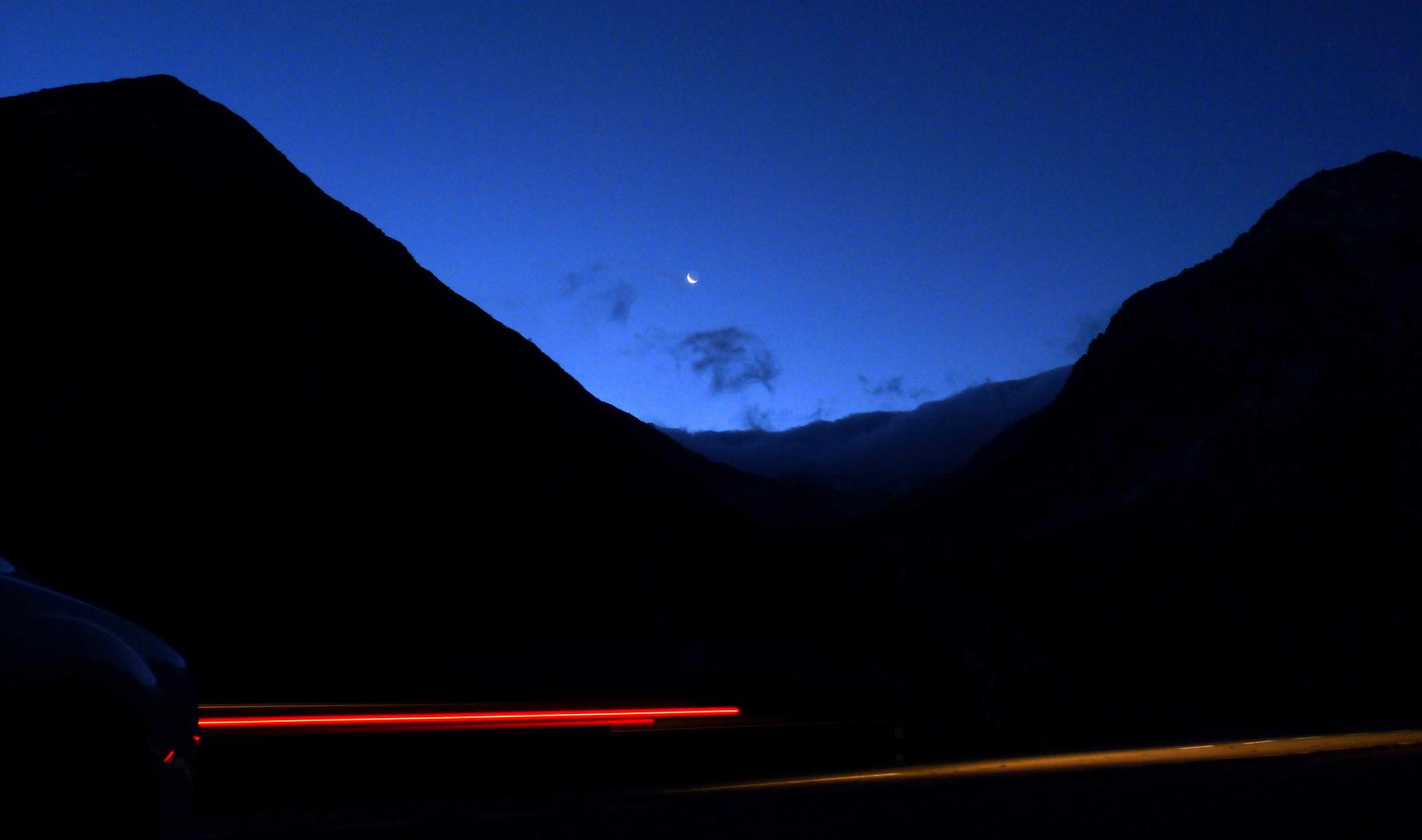 Montag / Lunes / Lundi 24.10.2011..04