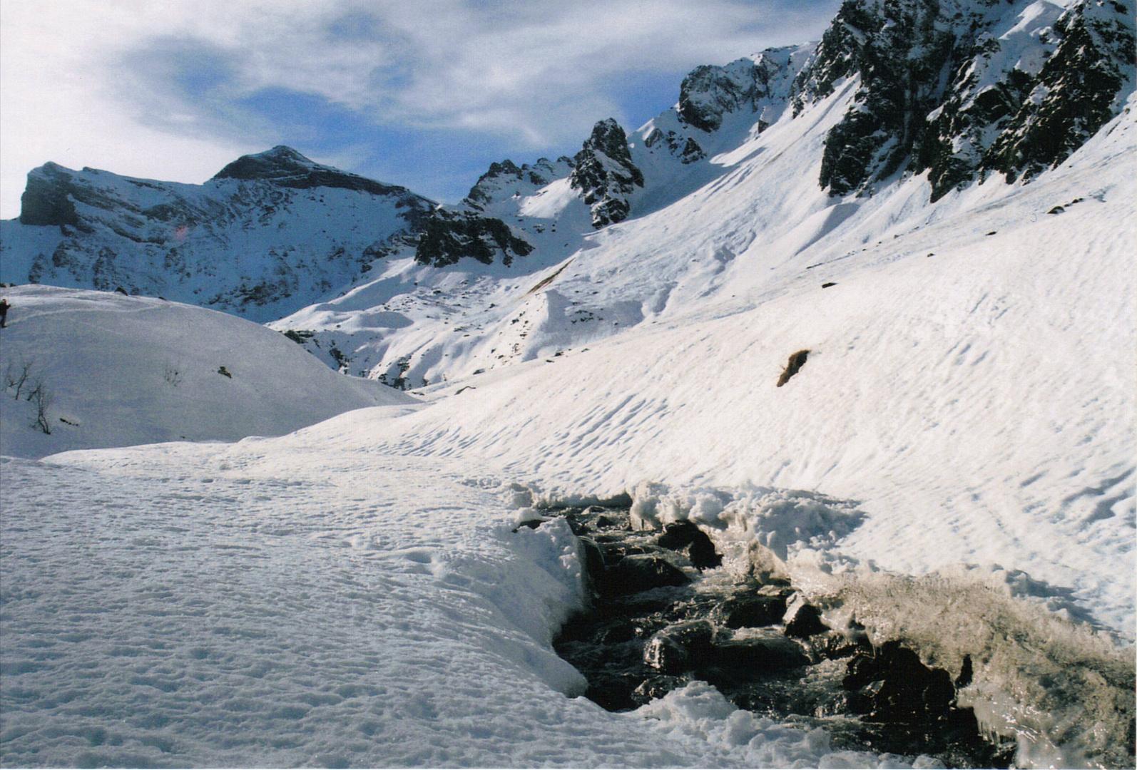 montagne enneigée au dessus de Saint Lary Soulan