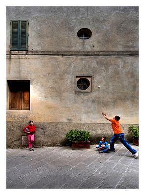 Montalcino street games