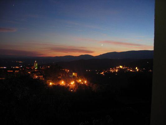 Montauroux bei Nacht