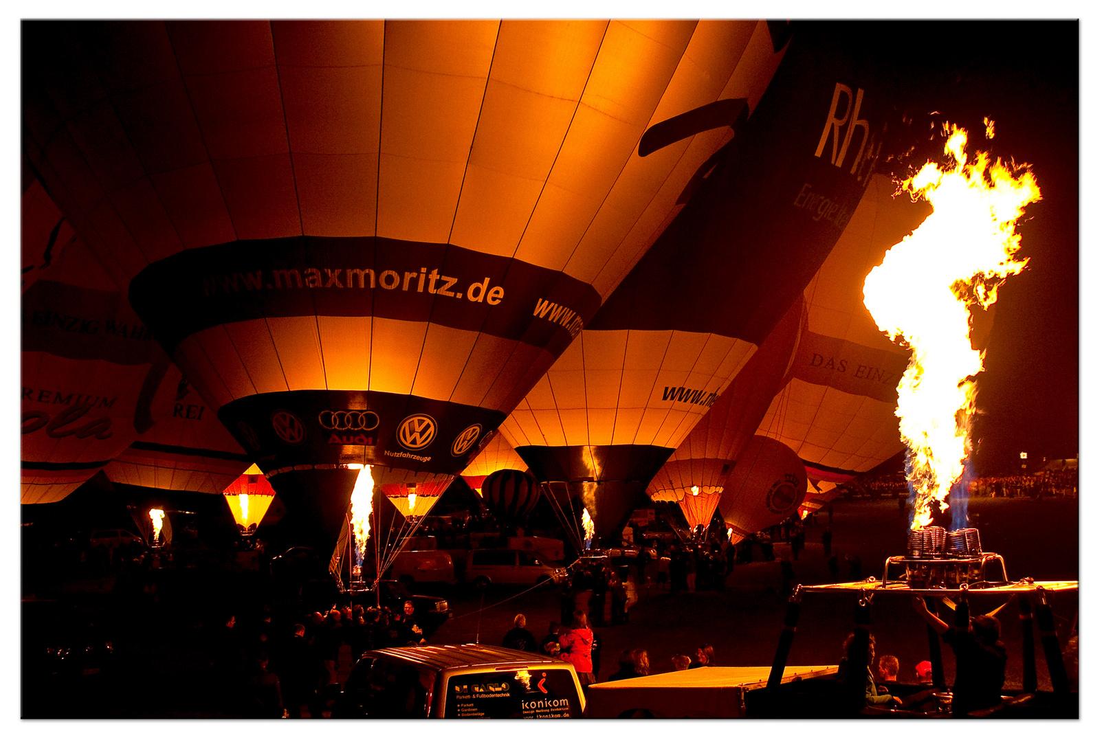Montgolfiade 2010 / night-glow