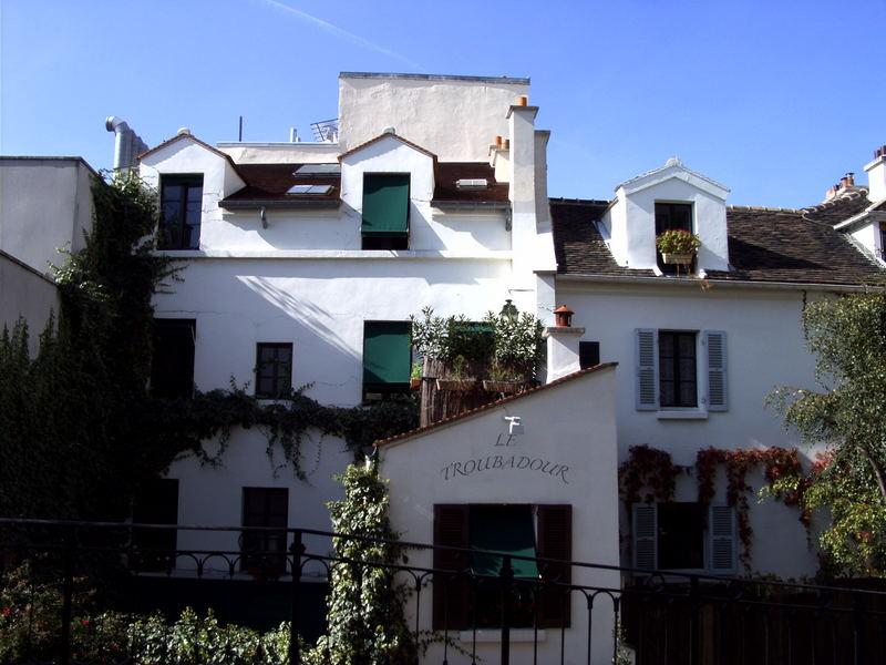 Montmartre - Le Troubadour