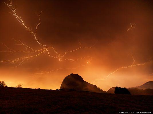 Montségur & orage d'été