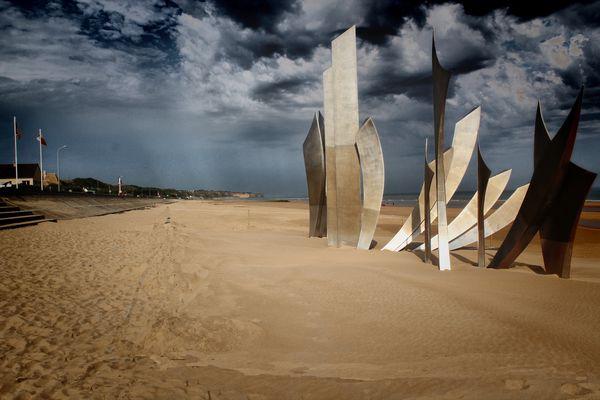 monument à la mémoire de nos alliers