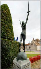 Monument aux morts (Chéroy, Yonne)