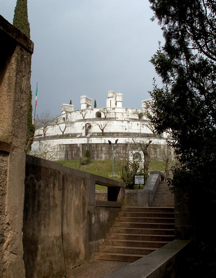 Monument des Gabriele D'Annunzio....