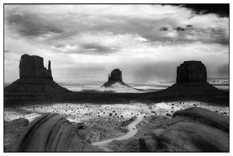 - Monument Valley -