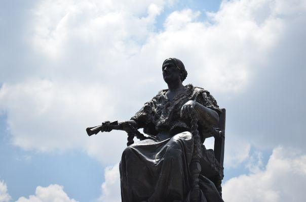 Monumento a Doña Josefa Ortiz de Dominguez