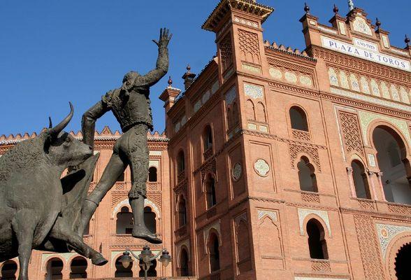 """Monumento a """"El Yiyo"""" en la plaza de Toros de las Ventas en Madrid"""
