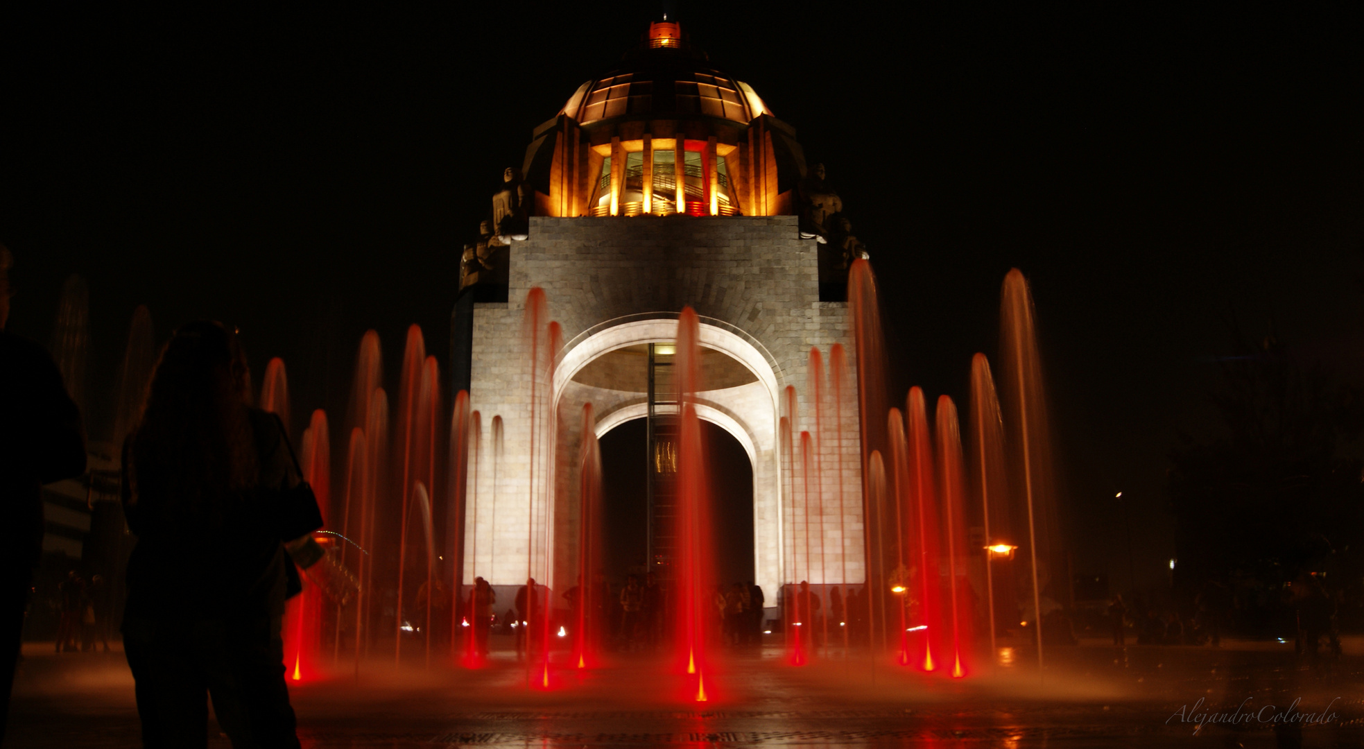 Monumento a la Revolución Mexicana de noche