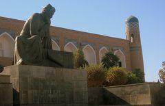 Monumento ad Al-Khorezmi....