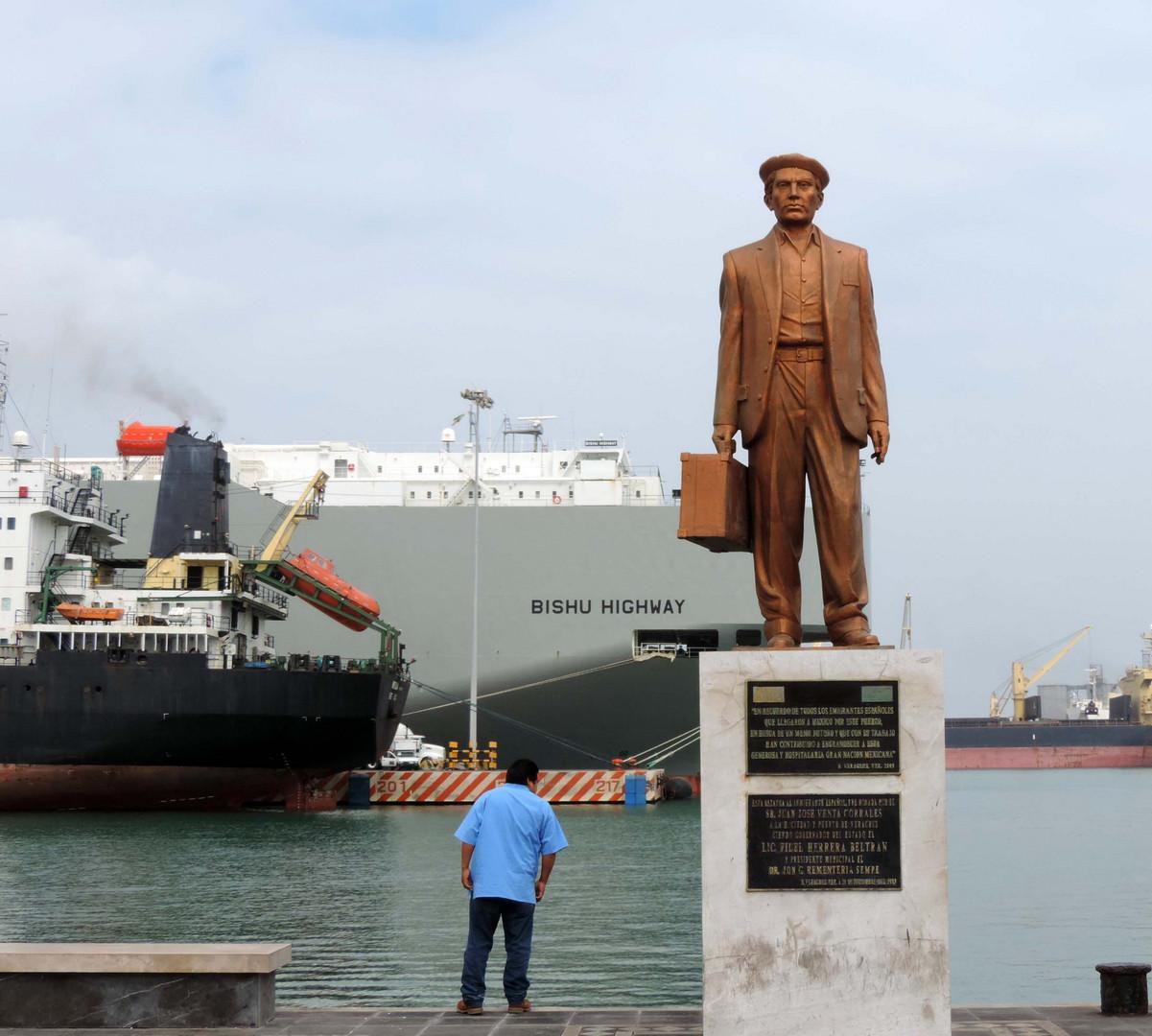 Monumento al emigrante español. Puerto de Veracruz