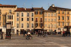 Monza, Piazza Trento e Trieste