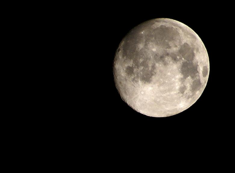 .: Moon :.