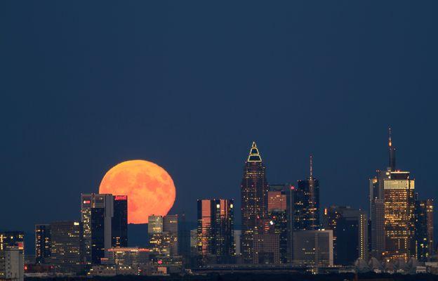 Moon over Frankfurt