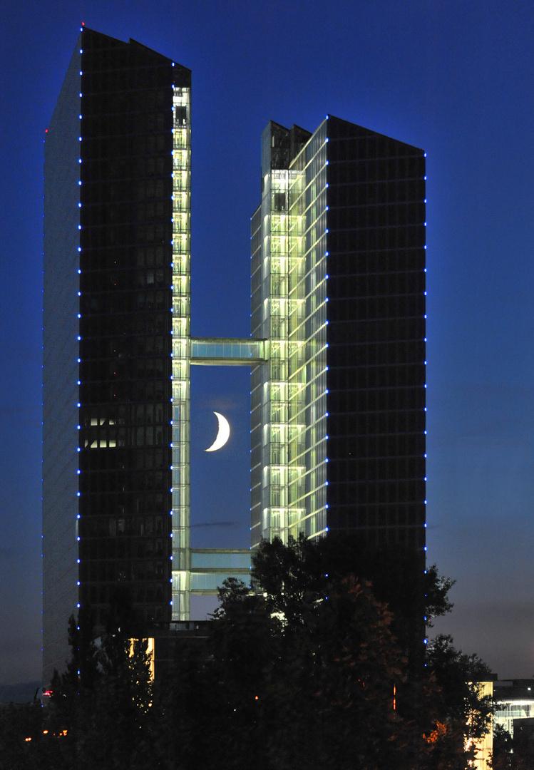 Moon-Towers