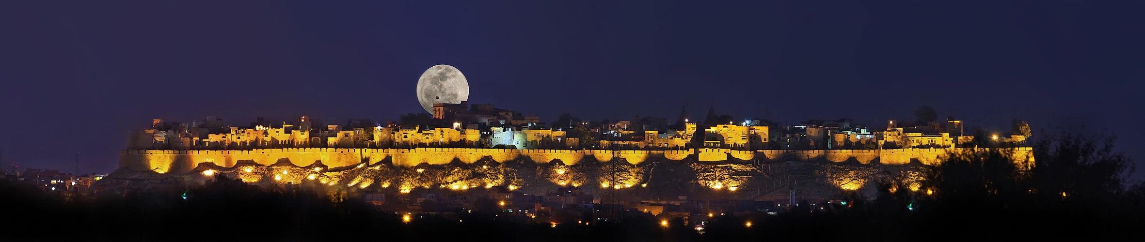 moonrise at Jaisalmer