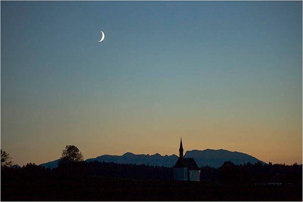 Moonrise over Kleinhartpenning