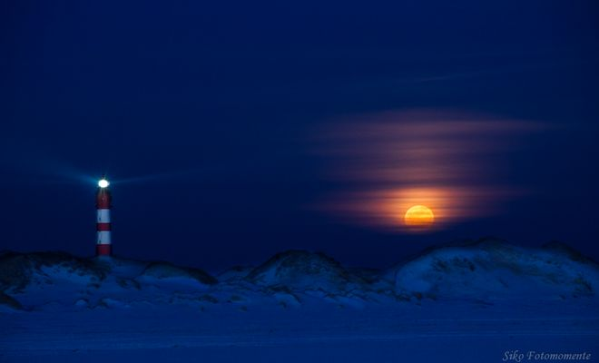 moonrise over the island