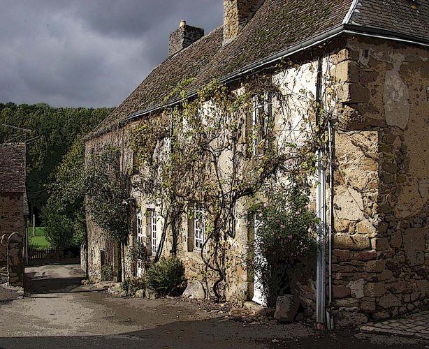 morbides Bauernhaus in der Normandie