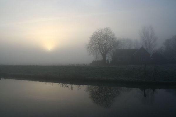 Morgen am Ems-Jade-Kanal