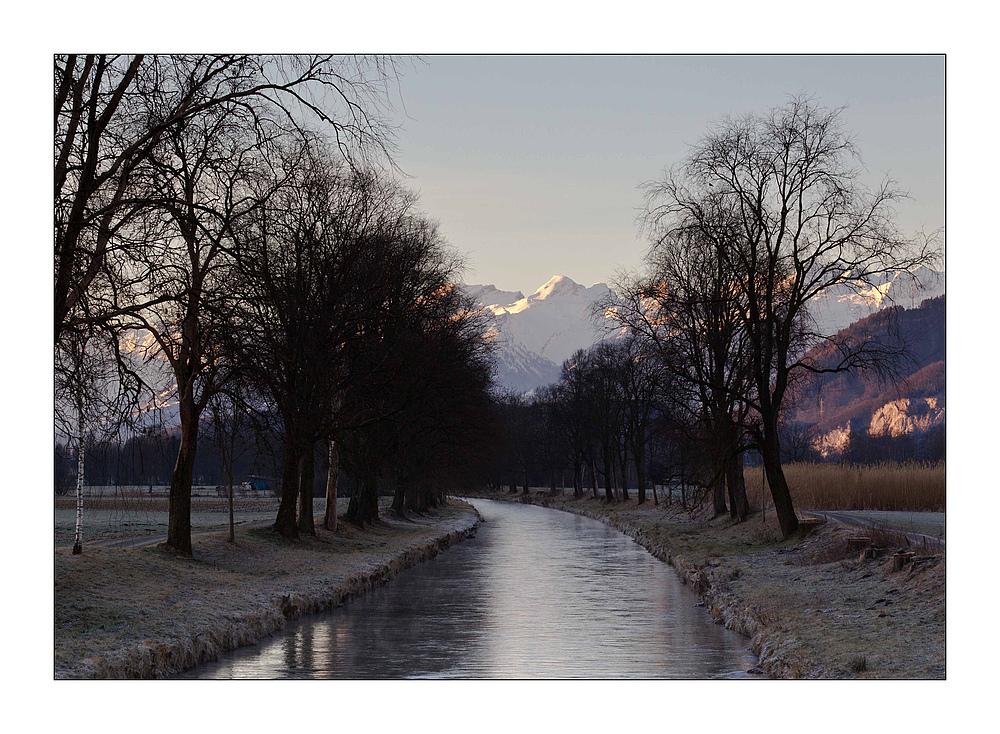 Morgen im Rheintal