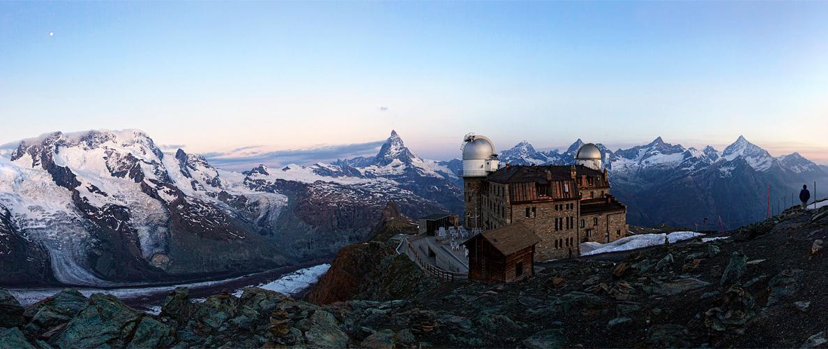 Morgendämmerung in den Alpen