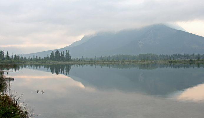 Morgendämmerung - Vermillion Lakes