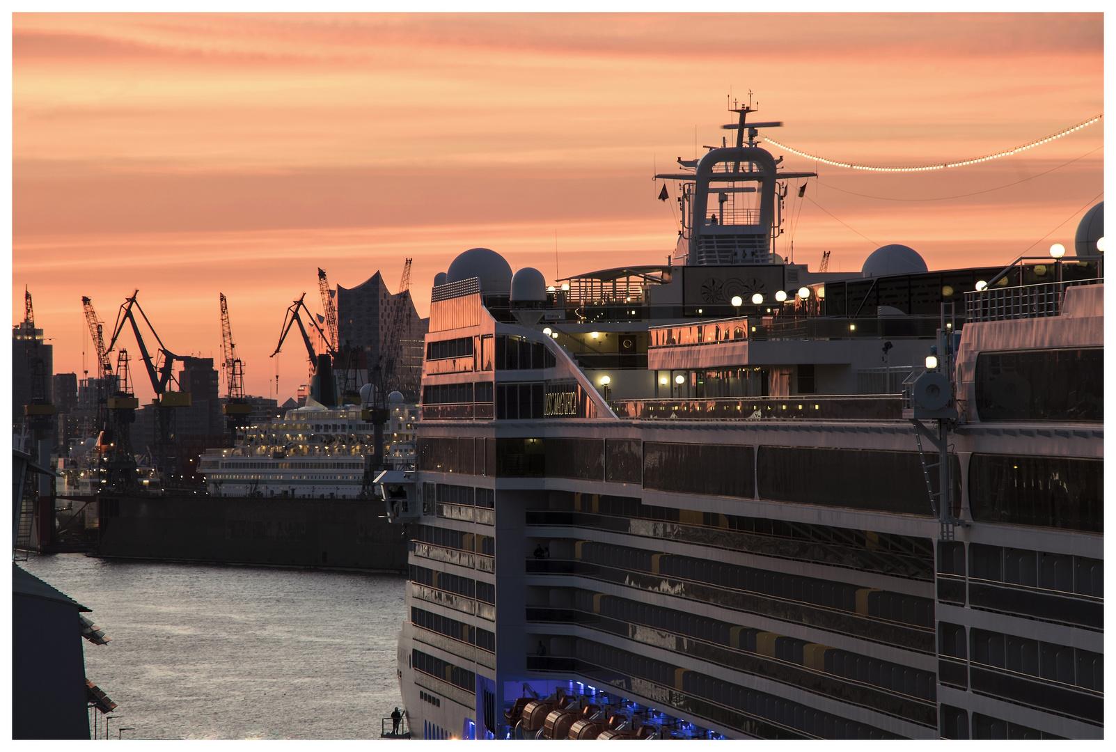 Morgenfarben und Schiff