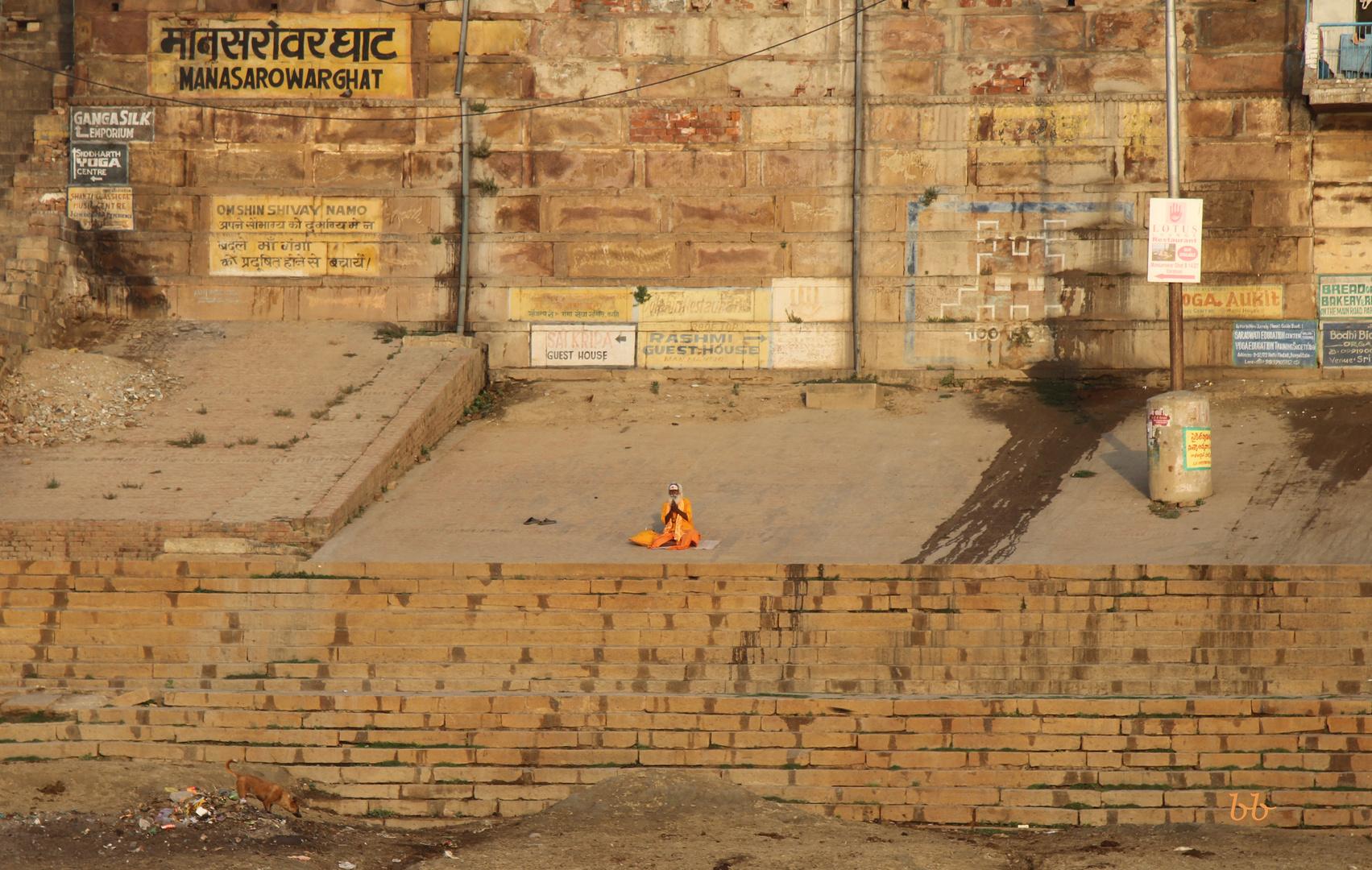Morgengebet am Ganges