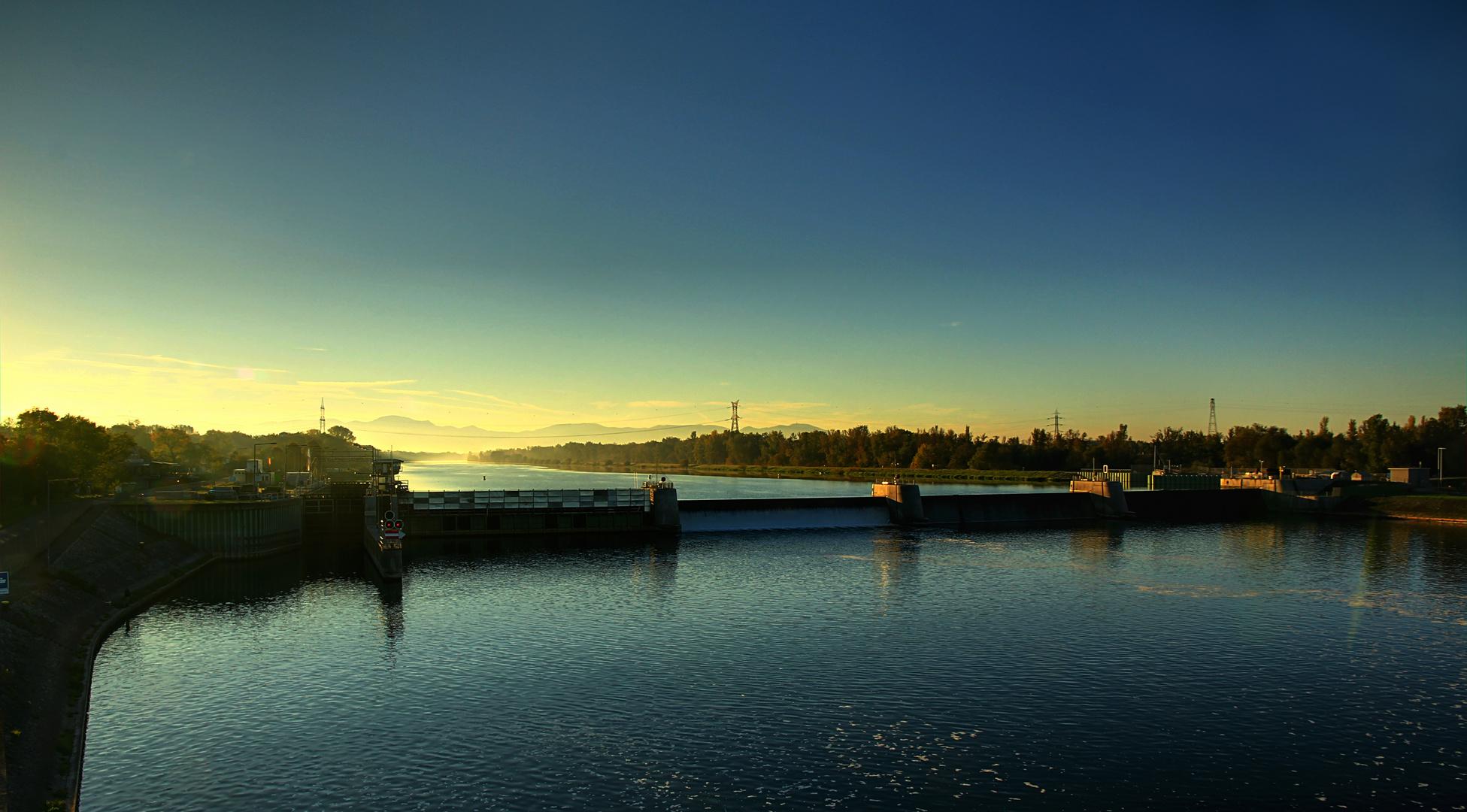 Morgenlicht am Rhein