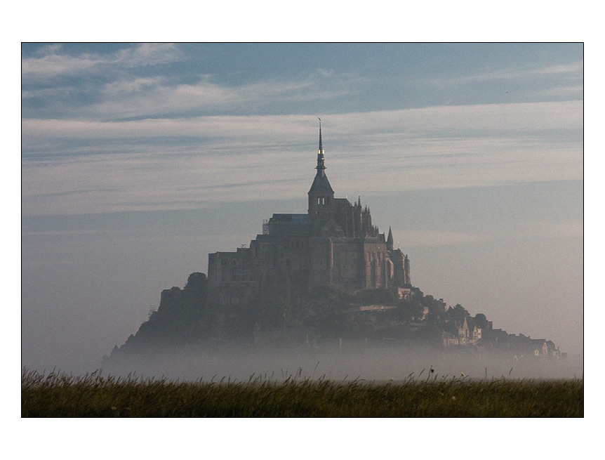 Morgennebel am Mt. St. Michel