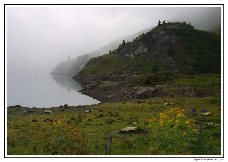 Morgennebel am Spuller See