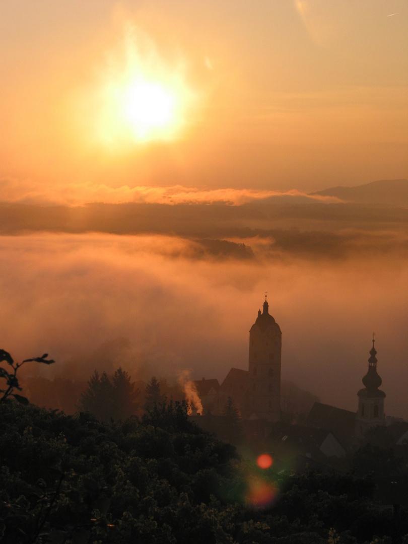 Morgennebel an der österreichischen Donau.