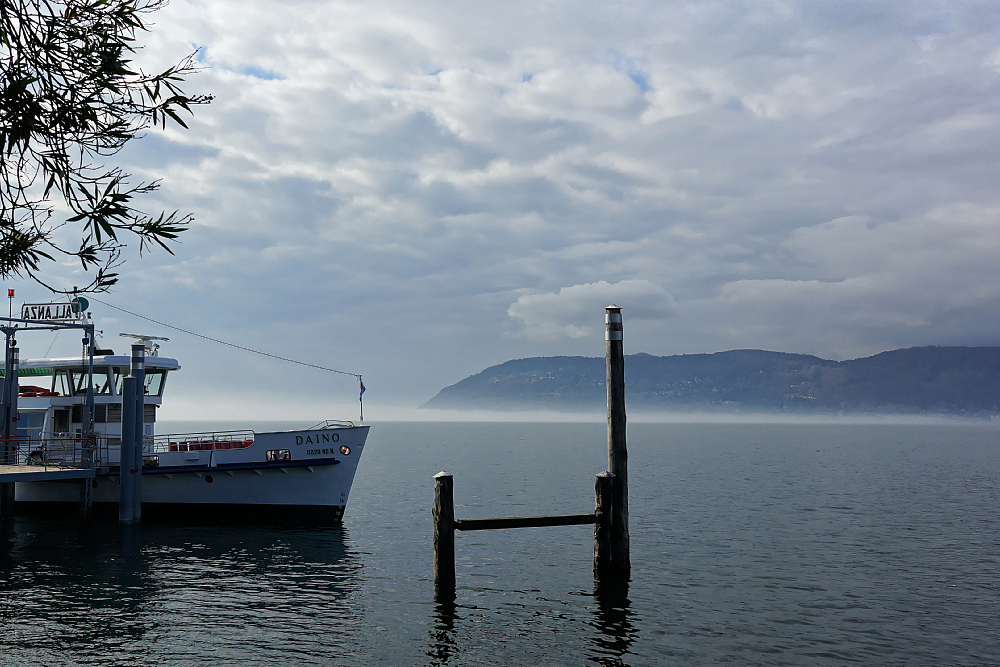 Morgennebel auf dem Lago Maggiore