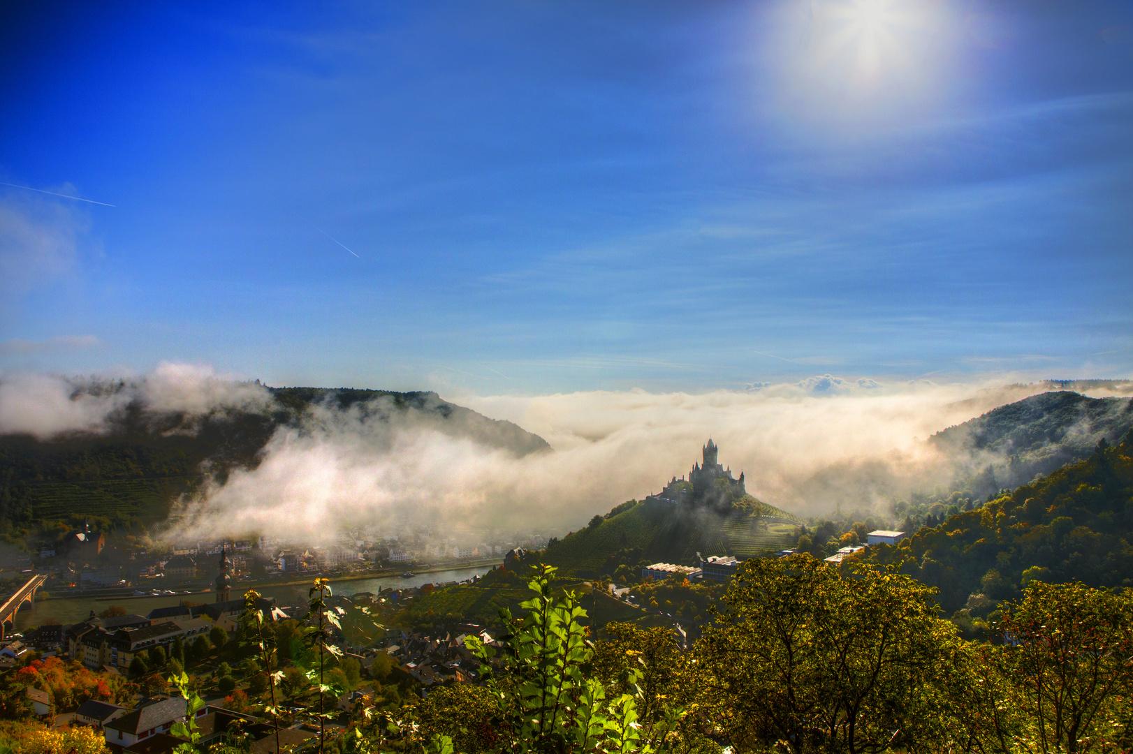Morgennebel im Moseltal Cochem