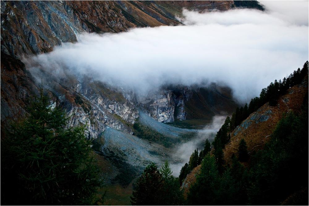 Morgennebel über dem Tal