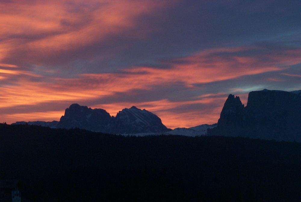 Morgenrot in den Dolomiten