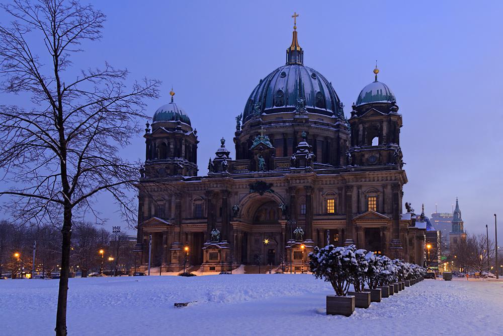 Morgens am Berliner Dom