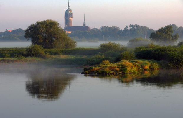 Morgens an der Elbe bei Wittenberg