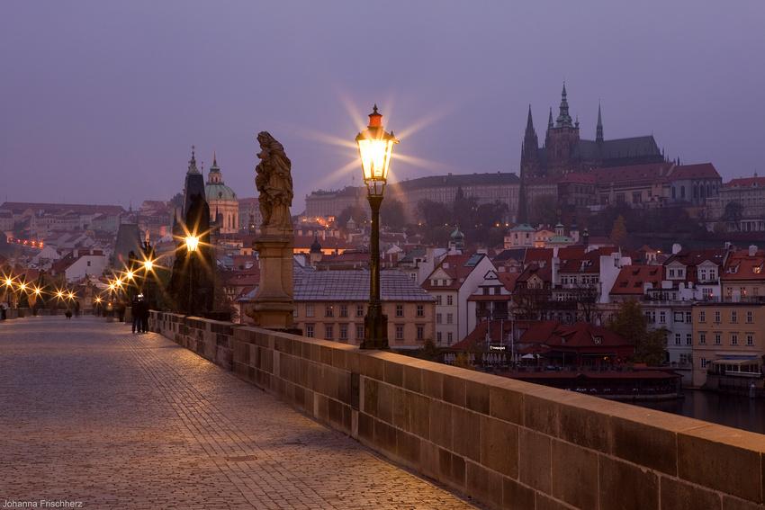Morgens auf der Karlsbrücke