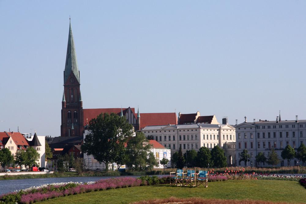 Morgens halbneun in Deutschland - Schweriner Dom
