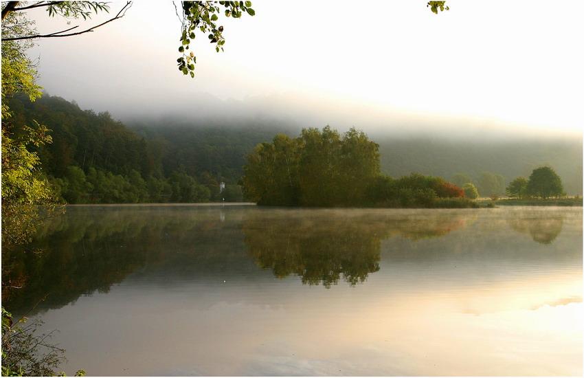 ... Morgenstille am Fluß