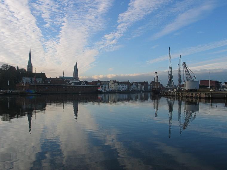Morgenstimmung am Lübecker Stadthafen