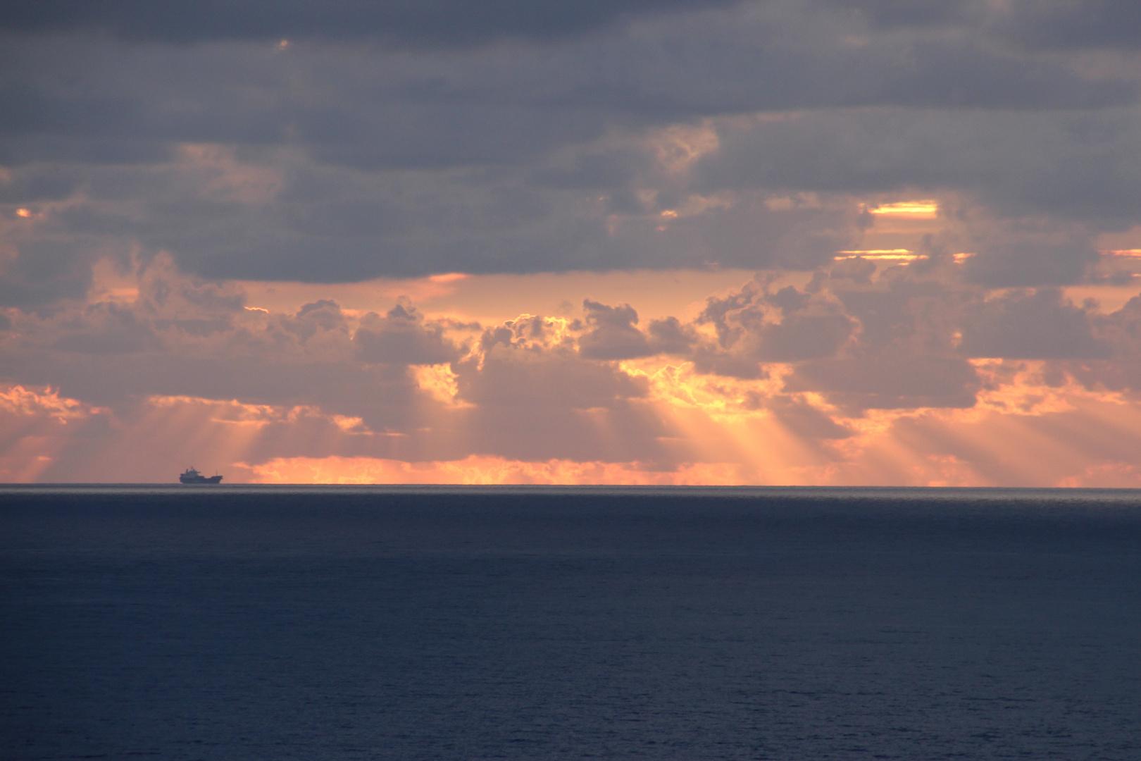 Morgenstimmung auf dem Meer 2