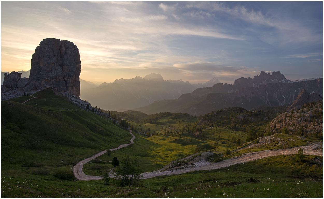 Morgenstimmung mit Blick ins Tal