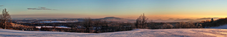 Morgenstimmung mit dem  Hohen Schneeberg (Dezinsky Sneznik) in Böhmen am 01.12. 2012
