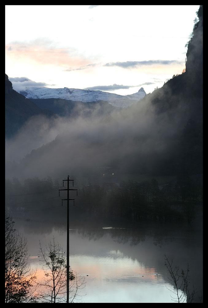 Morgenstimmung mit Sicht auf die Muotathaler Bergwelt